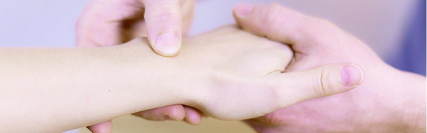 Untersuchung des Handgelenkes